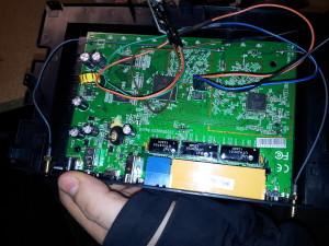 Ein Blick ins Innere des WDR-3500 - jetzt mit nachgerüstetem COM-Port